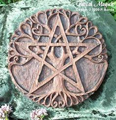 The Pentacle was known as the Seal of Solomon. It is a symbol of Earth and… Seal Of Solomon, 5 Elements, Celtic Designs, Book Of Shadows, Sacred Geometry, Larp, Witchcraft, Wiccan Art, Wiccan Symbols
