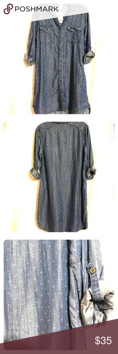 NWT Philosophy Tunic Dress Denim colored dress with polka dots, buttons up the front with pockets Philosophy Dresses