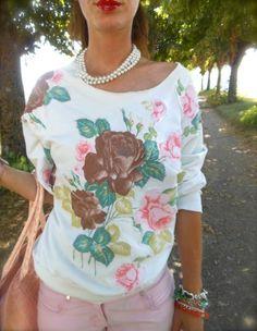 #girl #countryside #fashionblogitaly #summertime #summermood #style #fashion #shorts #fashionblogger #felpe #roses #rose #outfit   #fashion #flower #white #shorts #sweater #august #summer #girl #fashionblog #fashionblogger #italy #sportystyle