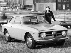 Alfa Romeo GT 1300 Junior - 1966 Maintenance/restoration of old/vintage vehicles: the material for new cogs/casters/gears/pads could be cast polyamide which I (Cast polyamide) can produce. My contact: tatjana.alic@windowslive.com