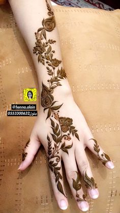 Henna designs for better hands look in 2019 Floral Henna Designs, Finger Henna Designs, Arabic Henna Designs, Modern Mehndi Designs, Mehndi Design Pictures, Mehndi Designs For Fingers, Beautiful Mehndi Design, Henna Tattoo Designs, Simple Henna Tattoo