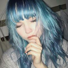 Find images and videos about girl, hair and beauty on We Heart It - the app to get lost in what you love. Hairstyles With Bangs, Pretty Hairstyles, Hair Inspo, Hair Inspiration, Lila Baby, Hair Color Dark, Dye My Hair, Halloween Kostüm, Aesthetic Hair