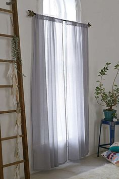 Hang gauzy curtains and roll up the blinds during the day to flood your rooms with natural light. 23 Simple Design Tips That Will Make Your Home Less Stressful Meditation Stool, Meditation Space, Luz Natural, Natural Light, My New Room, Home Staging, Curtain Rods, Your Space, Zen Space