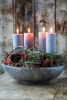 Christmas Candle Lights, Christmas Advent Wreath, Advent Candles, Christmas Crafts, Christmas Decorations, Green Christmas, Country Christmas, Xmas, Nature Decor