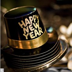 New Year's Eve Wedding Hats and Favors, have a stack for guests? New Years Eve Weddings, Real Weddings, Party Like Its 1999, Auld Lang Syne, White Wedding Cakes, Wedding Hats, Wedding Favors, Wedding Stuff, Wedding Ideas