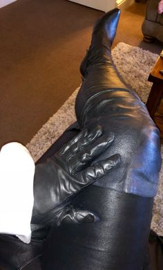 Thigh High Boots, High Heel Boots, Over The Knee Boots, Heeled Boots, High Leather Boots, Black Leather Gloves, Botas Sexy, Leder Outfits, Sexy Boots