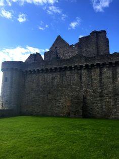 Craigmillar Castle and The Sheep Heid Inn, Edinburgh - Pints, Pounds, & Pâté Day Trips From Edinburgh, Outlander Locations, Old Pub, Scottish Castles, Castle Ruins, England And Scotland, Scottish Highlands, Scotland Travel, Filming Locations