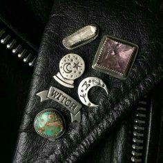Imagem de leather and pins