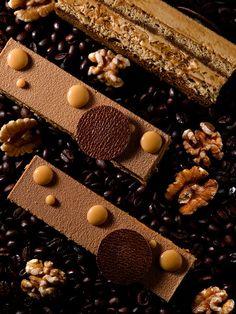 Café Noix - Coffee genoise, espresso, walnut nougatine, coffee crème mousseline