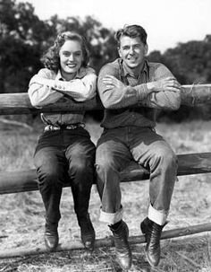 """Not """"Ronald and Nancy Reagan""""--well, it is Ronald, but it's not Nancy--Alexis Smith, perhaps from """"Stallion Road. Greatest Presidents, American Presidents, Us Presidents, American History, Nancy Reagan, Air Force One, Alexis Smith, President Ronald Reagan, Famous Couples"""
