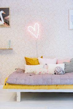 La Petite Anne: Neonové osvětlení bez neonu