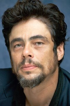 Benicio Del Toro This has got to be the hottest guy EVER! Moustaches, Benecio Del Toro, Gorgeous Men, Beautiful People, Divas, Latino Men, Hottest Guy Ever, Hair And Beard Styles, Good Looking Men