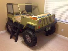 ジープそっくりのベッド「JeepBed」