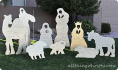 DIY Christmas yard nativity by All Things Thrifty featured on iheartnaptime.net!