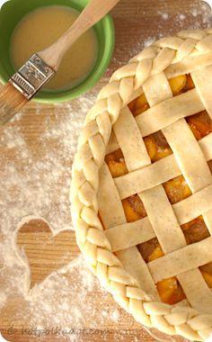 Triple Vanilla Dulce de Leche Peach Pie. Love the detail of the  edging, beautiful!
