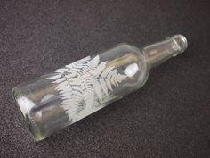 grabado láser de botella de cristal, por grabolaser.com