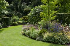 Följ sedan dessa 10 tips på - Makeover. Garden Cottage, Home And Garden, Landscape Design, Garden Design, Border Plants, Starting A Garden, Garden Yard Ideas, Forest Garden, Bonsai Garden