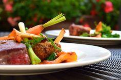 Kochen ohne Luft heißt Sous-vide und schmeckt wirklich gut. Eine Methode, die eine echte Option für Entdecker und Kulinariker ist.