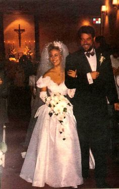 """Genie Francis, Laura GH and Jonathan Frakes, commander Riker """"Star Trek, The Next Generation"""" wedding photo Star Wedding, Wedding Pics, Wedding Couples, Wedding Gowns, Married Couples, Celebrity Wedding Photos, Celebrity Couples, Celebrity Weddings, Beautiful Bride"""
