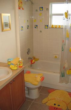 1000 images about rubber ducky bathroom on pinterest for Bathroom duck decor