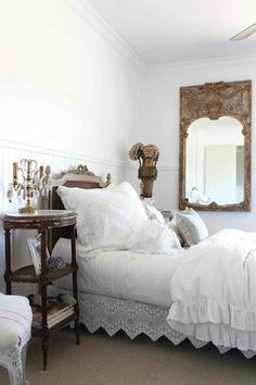 Vintage Romantic Bedroom Inspiration: Sweet Dreams Are Made Of Soft Bed  Sheets, Overstuffed Pillows And Piles Of Down Filled Duvets.