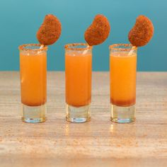 Are you ready to take your bartending skills to the next level? Amaze your friends with these fun and easy shot and shooter recipes at the next get together! Learn how to make everything from rainbow shooters to strawberry birthday cake shots. Bartender Drinks, Easy Alcoholic Drinks, Alcholic Drinks, Yummy Drinks, Mango Cocktail, Cocktail Drinks, Cocktails, Cocktail Recipes, Tequila Mix