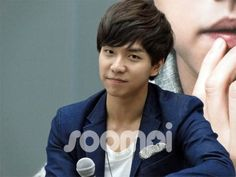 Lee Seung Gi Charms the Singapore Media and Fans With His Megawatt Smiles - Soompi