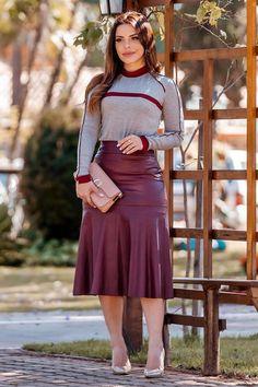 Elegant Outfit, Classy Dress, Fashion Wear, Fashion Dresses, Chic Outfits, Dress Outfits, Secretary Outfits, Trendy Tops For Women, Wedding Dress Trends
