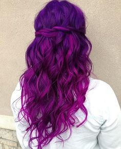 A list of most glamorous hairstyles with different magenta hair color shades. You'll definitely get a crush on Magenta hair color! Hair Dye Colors, Ombre Hair Color, Cool Hair Color, Purple Ombre, Bright Purple Hair, Magenta Hair Colors, Hair Colour, Colorful Hair, Fuschia Hair