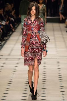 Burberry Prorsum - Fall 2015 Ready-to-Wear - Look 48 of 55