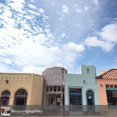 Yes @inyoureyegallery! It's gorgeous out today! Come see us in the Paseo! #betsykingshoes #betsyandmarla #paseo