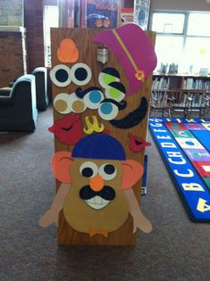 -------- I Want to Create --------- Bulletin boards are not the only places librarians can get creative. The ends of shelves are perfect for this interactive Mr. Potato Head display!