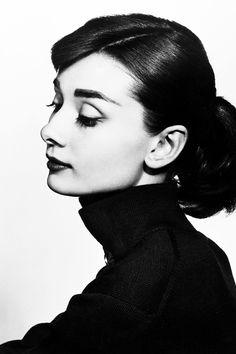 A. H. Foto Portrait, Portrait Studio, Portrait Photography, Photography Women, Vintage Photography, Beauty Photography, White Photography, Audrey Hepburn Mode, Audrey Hepburn Outfit