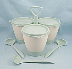 Tupperware Condiment / Relish Caddy - I still use mine for Coffeemate, coffee and sugar packets