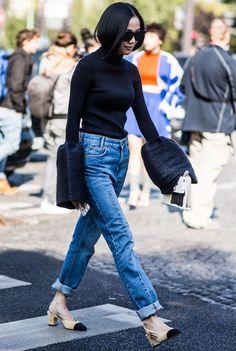look calça jeans sapato chanel manga longa