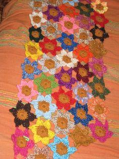 sciarpa fiori crochet