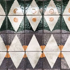 Tile at the museum goes from the 15th century to the 20th, from figurative to geometric #TMTR