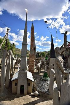 The Owl House in Nieu-Bethesda, Eastern Cape, South Africa. Cape Town, Oh The Places You'll Go, Places To Visit, Visit South Africa, Namibia, South African Art, Africa Art, Owl House, Africa Travel