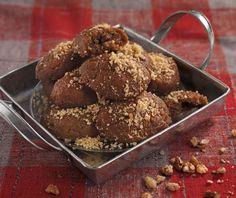 Μελομακάρονα με σιμιγδάλι από την Αργυρώ Μπαρμπαρίγου! Greek Sweets, Feta, Cereal, Muffin, Breakfast, Christmas Recipes, Muffins, Breakfast Cereal, Corn Flakes