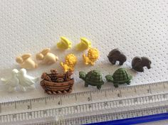 12 Noah Ark Buttons with Shanks by creationandsupplies on Etsy, $2.50