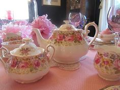 Tea Cozie Cottage: Serena with Tea Time Thursday & Pink Saturday