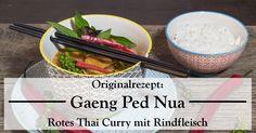 Rotes Thai Curry mit Rindfleisch, Thai-Auberginen, Zuckerschoten, Thai-Bohnen und Pfefferrispen, mit einer selbst gemachten roten Currypaste.
