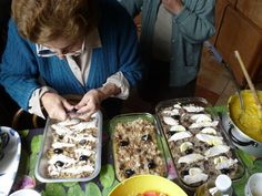 Learning about traditional food of Valparaiso in a Chilean cooking class. Includes recipe for pastel de choclo, enselada chilena, and turron de vino. Mexican Food Recipes, New Recipes, Real Food Recipes, Cooking Recipes, Ethnic Recipes, Chilean Recipes, Chilean Food, Latin American Food, Frijoles