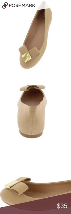 🔸 NEW Bow Ballet Flats in Nude Bow accented ballet flats with a chic and feminine appeal. Round toe and flat heel. Gold square metal accent in center of bow. Man-made. Shoes Flats & Loafers