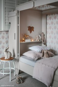 Beautiful girl's room with a cupboard bed - love the soft colours and the cute details