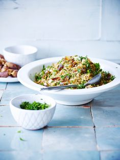 Fried Rice, Quinoa, Serving Bowls, Veggies, Food And Drink, Healthy Eating, Lunch, Tableware, Ethnic Recipes