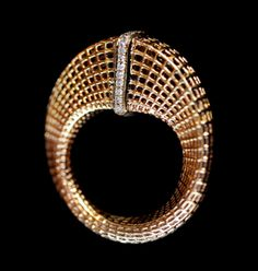 Hella Ganor - High Slice Mobius Ring with Diamonds