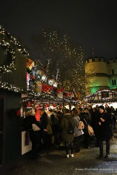 Cologne Christmas Markets 2017 Cologne Christmas Market, Christmas Markets, Times Square, Marketing, Explore, Concert, Travel, Viajes, Recital