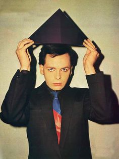 The Wisdom of Gary Numan and his love of Depeche Mode. I love his tie up against his black suit