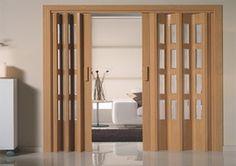 Puertas de interior plegables en madera y cristal, o se puede combinar como mas te guste, muy practicas para la división de ambientes.